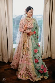 Banarasi Lehenga, Pink Lehenga, Bridal Looks, Bridal Style, Wedding Lehenga Designs, Bridal Dupatta, Sikh Bride, Party Wear Lehenga