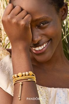 Make a statement with the season's exquisite new PANDORA Shine bracelets and nature-inspired charms. Crafted in 18k gold-plated sterling silver, their stunning hand-finished details illuminate any look.