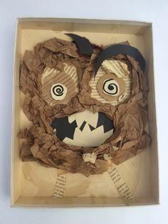 Monsters in reliëf   De leerlingen maken met verschillende soorten papier ieder een eng monster. Papier scheuren, knippen en proppen....