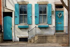 turquoise shutters and doors.definitely at least the front door one day! House Of Turquoise, Turquoise Door, Turquoise Accents, Blue Accents, Green Turquoise, Jade Green, Purple, Exterior Trim, Exterior Colors
