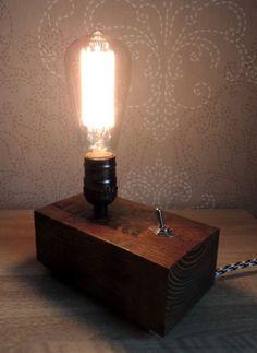 Nouvelle lampe en bois de palette BLOK - ON-OFF