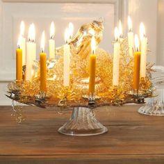 Tortenplatte mit Kerzen.... aber bitte kein Goldhaar in der Mitte. Viel zu kitschig