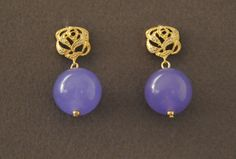Radiant Orchid jade and Jewel Rose Earring by UneDemiLune on Etsy, €19.00