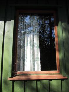70-luvun seurantalon ikkuna