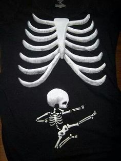 Best pregnancy shirt ever!!! Baby Kind, Baby Baby, Fun Pregnancy Announcement, Halloween Pregnancy Announcement, Pregnant Halloween Costumes, Halloween Shirt, Maternity Halloween, Halloween 2013, Baby Costumes