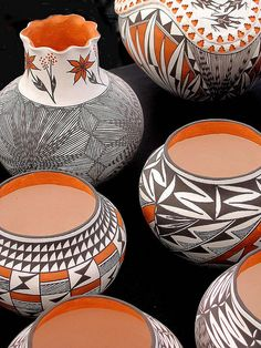 New Mexico Acoma pottery, with its recognizable monochrome and polychrome designs, is some of the most beautiful American Indian (Native American) #pottery, available.