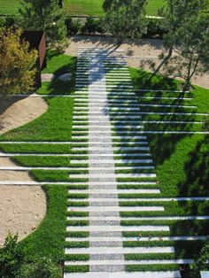 Serenity Garden by Yoji Sasaki - Garden Care, Garden Design and Gardening Supplies Garden Paving, Garden Paths, Modern Landscaping, Backyard Landscaping, Serenity Garden, Paving Design, Minimalist Garden, Landscape Architecture Design, Garden Types