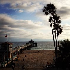 Officiant Guy performs many beach weddings in and around Manhattan Beach in Manhattan Beach, CA  http://www.officiantguy.com #beachweddings #weddingofficiant #LosAngelesweddings