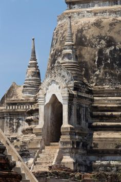 A Ayutthaya Day Trip from Bangkok. The old capital of the former Ayutthaya Kingdom in present day Thailand.
