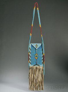 Blackfoot Beaded Hide Warrior's Bag. Черноногие, конец 19 века