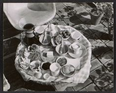 Table setting at the Eames House, ca. Aline and Eero Saarinen papers, Archives of American Art, Smithsonian Institution.
