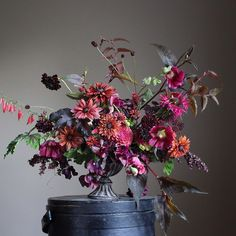 Images of floral arrangements made by Christin Geall. Beautiful Flower Arrangements, Fresh Flowers, Floral Arrangements, Beautiful Flowers, Deco Floral, Arte Floral, Floral Design, Ikebana, Flower Farm