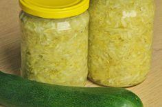 V kuchyni vždy otevřeno ...: Sterilované cuketové zelí Czech Recipes, Ethnic Recipes, Pickles, Cucumber, Zucchini, Homemade, Canning, Vegetables, Food