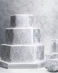 8 Platinum Wedding Cakes That Are Metallic Masterpieces