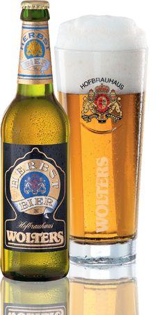 Wolters Herbst-Bier - Fein gehopft und aromatisch! Von Mitte September bis Ende NovemberNeuer Name, bewährter Geschmack. Wolters Herbst-Bier ist eine süffig, frische Bierspezialität – einmalig in Niedersachsen.