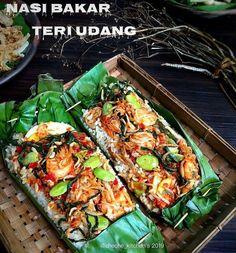 Resep nasi bakar spesial © 2020 Instagram/@dewi.yuliana23 ; Instagram/@laila_umi Spicy Recipes, Asian Recipes, Cooking Recipes, Ethnic Recipes, Cooking Food, Thai Food Menu, Nasi Bakar, Indonesian Cuisine, Malaysian Food