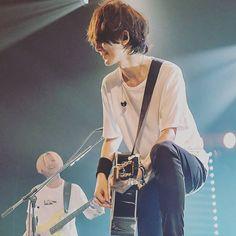 Bump, Singing, Japanese, Musicians, Rock, Chicken, Entertainment, Bite Size, Japanese Language