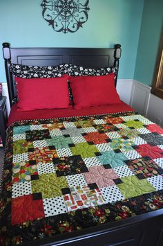 Seasonal Fun – Trends and Traditions Scrappy Quilts, Easy Quilts, Quilting Projects, Quilting Designs, Quilting Ideas, Square Quilt, Machine Quilting, Quilt Making, Quilt Blocks