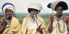 Xhosa women, South Africa - Bantu Tribes of Southern Africa | Southern African Safaris | Classic Africa-Bantu tribe migrated south and displaced the San tribe-the original inhabitants