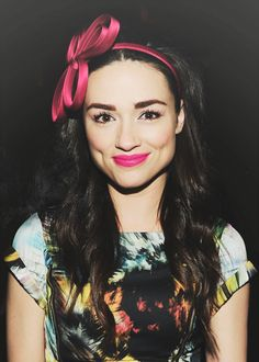 pictures of Crystal Reed Crystal Reed Teen Wolf, Girl Celebrities, Celebs, Cristal Reed, Pretty People, Beautiful People, Pictures Of Crystals, Crystal Marie, Stone Landscaping