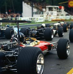 formula1blogger:  Graham Hill - Lotus 49B - 1968 - French GP (Rouen) [906x908]