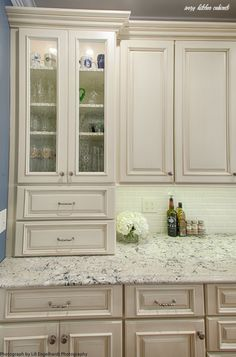 Ivory Kitchen Cabinets, Kitchen Cabinet Colors, Kitchen Decor, Cream Colored Kitchen Cabinets, Cream Colored Kitchens, Kitchen Ideas, Cream Cabinets, Glass Kitchen, Cupboards
