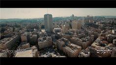 Na een verdrietig weekeinde, waarin een agente van de grenspolitie werd doodgestoken, laten we u een mooie video uit Jeruzalem zien met prachtige beelden van deze bijzondere en heilige stad, begeleid door de melodie van Jeruzalem van Goud.
