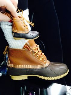 bellesbourbonandbowties: I 💛 Bean Boots I want one omg Crazy Shoes, On Shoes, Me Too Shoes, Preppy Outfits, Boy Outfits, Kids Fashion, Winter Fashion, Boating Outfit, Bean Boots