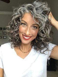 Grey Curly Hair, Long Gray Hair, White Hair, Medium Hair Styles, Curly Hair Styles, Grey Hair Inspiration, Gray Hair Highlights, Transition To Gray Hair, Permed Hairstyles