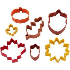 Autumn 7pc. Cookie Cutter Set - Use the Autumn Cookie Cutter Set to cut a variety of leaves, acorns and more shapes. These colored metal cutters come in graduated sizes, shapes and fall colors. #cookiecutters #baking #cookie_cutters #autumn