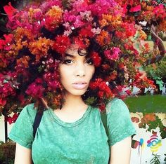 Pierre Jean-Louis a VB usual artist in the US creates powerful and mesmerising art that celebrates the unique beauty of African women. Flowery galaxies of exquisite beauty.  #flowers #beauty #empowered #african #instalike #pierrejeanlouis #art #women #passion #floweraofinstagram