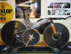 You like to push big gears, eh? (Bruce Bursford's 208mph record setting bike: 150 gear feet and 2ft. diameter chainring!) RELATED: JUMP!: Improve your explosive power in just 5 minutes a day - http://roa.rs/1j1bxx0?utm_content=buffer04000&utm_medium=social&utm_source=pinterest.com&utm_campaign=buffer. #cycling #biggear #chainring #fixie #gearing #gearratio #continental #ultimate #brucebursford #carbon #aero