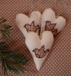 Christmas decoration, embroidered heart, heart decoration, Chirory decoration, textile heart, heart sewing, bird