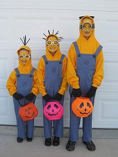 Minion costumes .... oh, YES!
