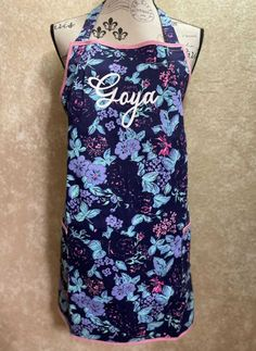 Handmade apron with personalization. Great gift to give. Bbq Apron, Chef Apron, Great Gifts, Lavender, Trending Outfits, Unique Jewelry, Handmade Gifts, Floral, Crafts
