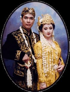 Traditional wedding costumes from Sunda (West Java) - Indonesia