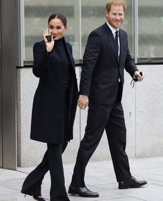 Trade Centre, World Trade Center, Apple Today, Markle Prince Harry, Meghan Markle Style, Black Turtleneck, Town And Country, First World, Fashion Looks