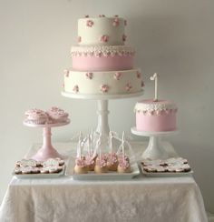 pink and wnite dessert table