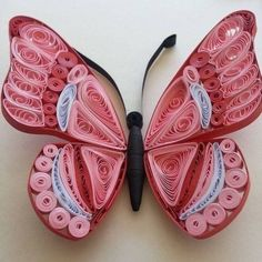 How to make a butterfly, with the help of quilling, with your own hands? Quilling Butterfly, Arte Quilling, Quilling Letters, Paper Quilling Jewelry, Origami And Quilling, Quilled Paper Art, Quilling Paper Craft, Quilling Flowers, Butterfly Dragon