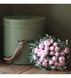 THE REAL FLOWER COMPANY - Simply Peony Pink Rose bouquet | Selfridges.com