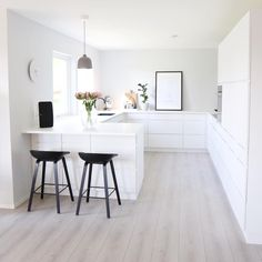 Scandinavian Interiors, White Interiors, Scandinavian Kitchen, Modern  Interior, Kitchen Interior, Kitchen Design, Interior Design, New Kitchen,  Cozy Bedroom ...