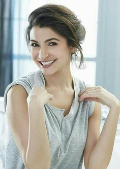 Heres why birthday girl Anushka Sharma is one of the most unconventional HEROINES of Bollywood! Indian Celebrities, Bollywood Celebrities, Beautiful Celebrities, Beautiful Actresses, Actress Anushka, Bollywood Actress, Indian Bollywood, Bollywood Stars, Bollywood News