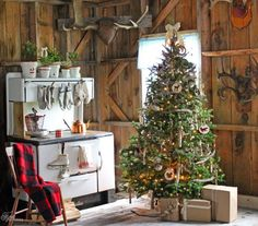 have yourself a very rustic christmas - Cabin Christmas Decor