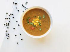 Vanaf nu deel ik regelmatig een recept van mijn medestudenten natuurvoeding. Deze keer is dat: Zwarte bonensoep van Elske , een heerlijke maaltijdsoep.