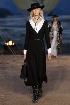 Christian Dior | Cruise 2018 | Look 70