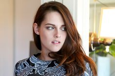 Kristen Stewart for Balenciaga - Created with BeFunky Photo Editor Kristen Stewart Hair, Kristen Stewart Pictures, Kirsten Stewart, James Dean Haircut, Pretty People, Beautiful People, Beautiful Ladies, Kristen And Robert, Sils Maria