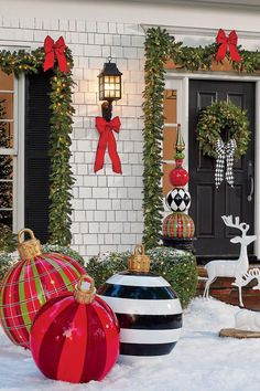Large Christmas Ornaments Are Our Favorite Holiday Decorating Trend of Hands Down : Large Outdoor Christmas Ornaments - Oversized Yard Holiday Ornament Decorations Inflatables are nice, but these are magical. Large Outdoor Christmas Ornaments, Front Door Christmas Decorations, Noel Christmas, Christmas Crafts, Outdoor Xmas Decorations, Inflatable Christmas Decorations, Diy Christmas Yard Ornaments, Ball Ornaments, Outdoor Christmas Decor Porches