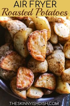 My Air Fryer Roasted Potatoes are the perfect healthy alternative to your diner . , My Air Fryer Roasted Potatoes are the perfect healthy alternative to your diner . My Air Fryer Roasted Potatoes are the perfect healthy alternative . Air Fryer Recipes Potatoes, Air Fryer Oven Recipes, Air Fry Recipes, Air Fryer Dinner Recipes, Cooking Recipes, Healthy Recipes, Healthy Food, Meat Recipes, Air Fry Potatoes