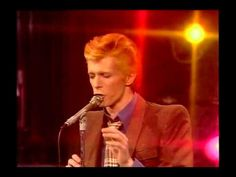 """DAVID BOWIE performing """"1984"""" at the Dick Cavett Show, December 5th 1974 - YouTube"""