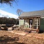 Tiny Texas House, made from recycled materials.  Now if they would just make it a little bigger, it'd be great for me!